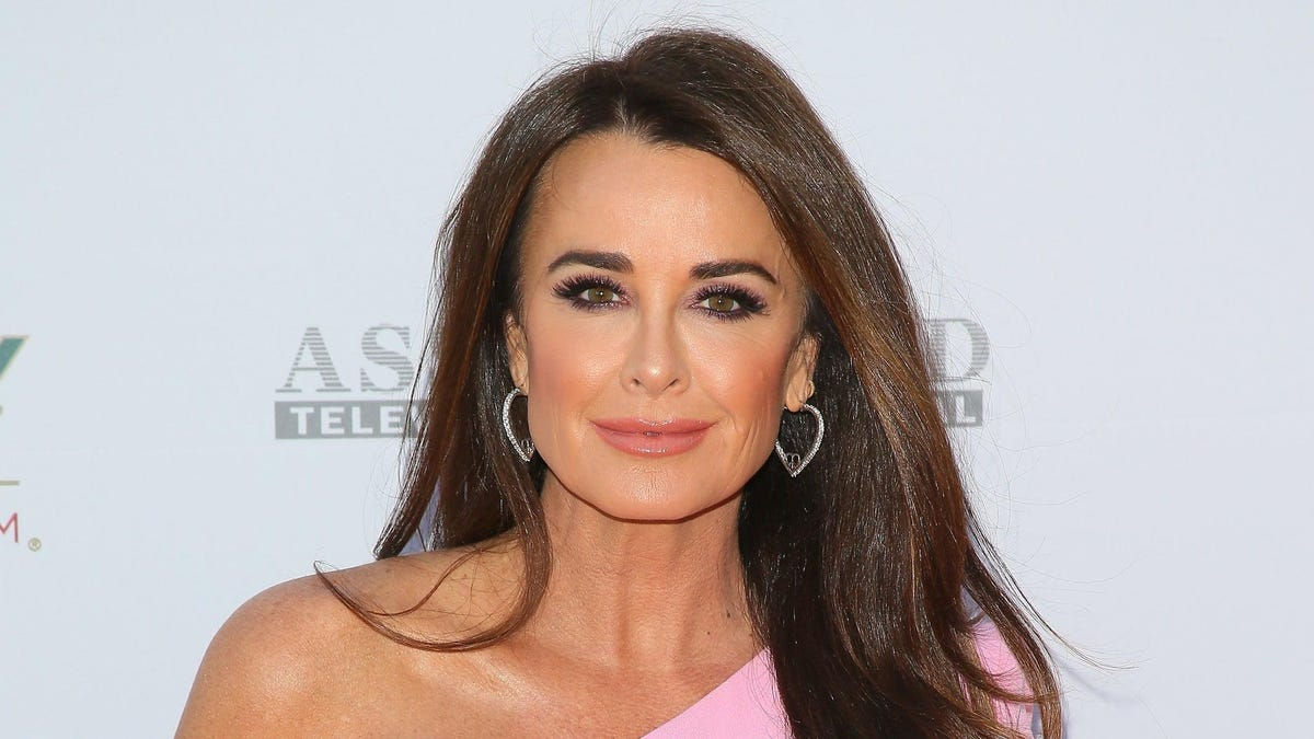 Kyle Richards Walked Into a 'Hive of Bees' But She Is Doing Fine Now