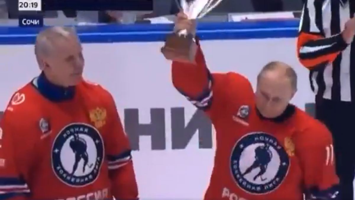 Vladimir Putin 'scores' eight goals in Russian hockey game - deadspin