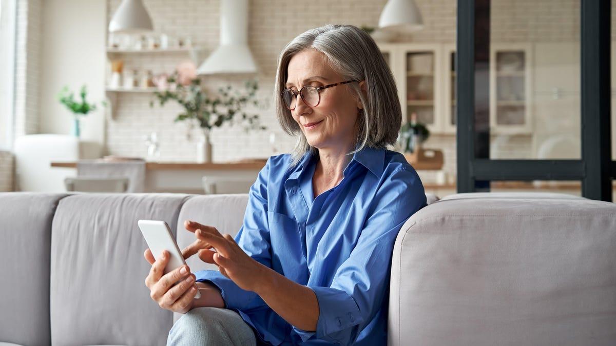 7 of the Best Smartphones for Older People (2021)