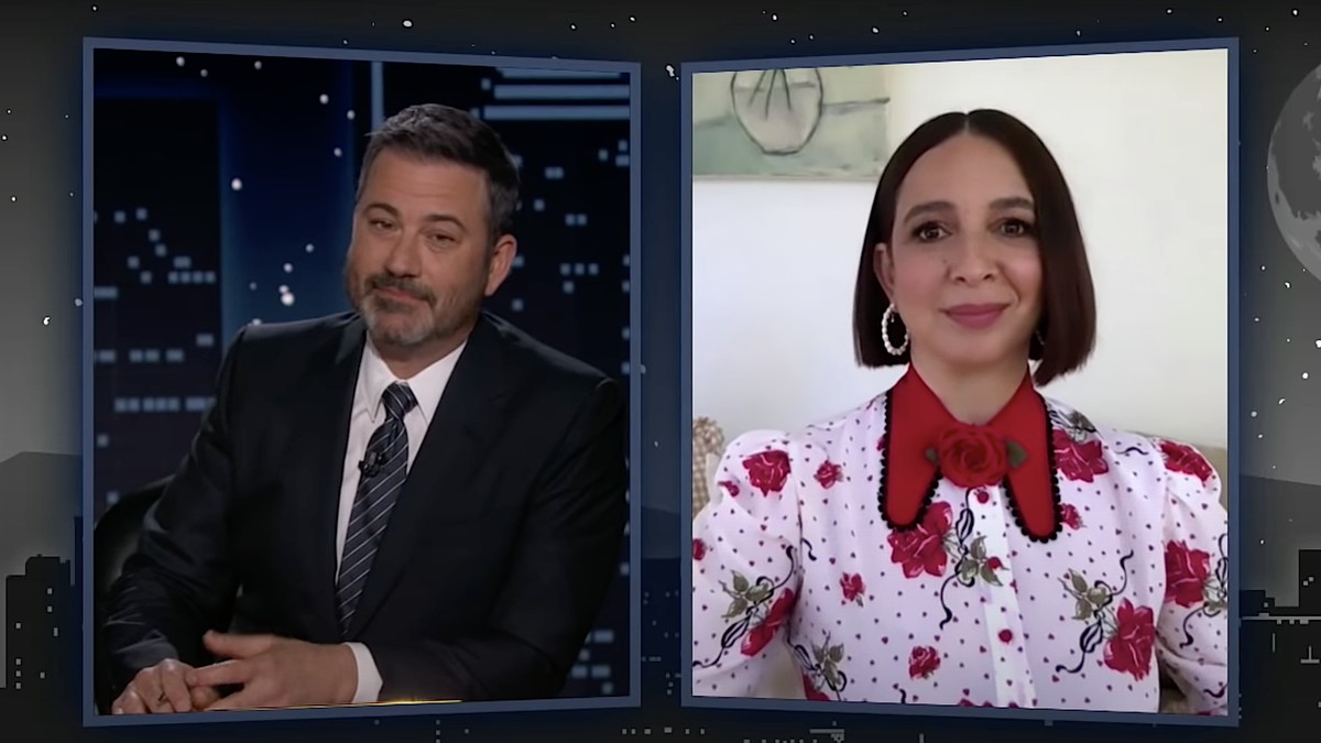 Maya Rudolph rates the SNL women in the event of black widow bite