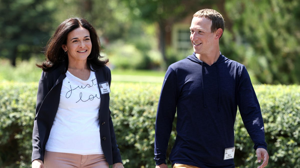Facebook Paid the FTC Billions to Personally Protect Zuckerberg, Lawsuit Claims - Gizmodo