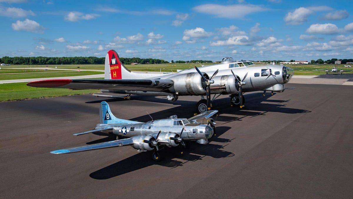 Ein Pilot verbrachte 17 Jahre und 40.000 Stunden mit dem Bau einer B-17 Flying Fortress im Maßstab 1:3.
