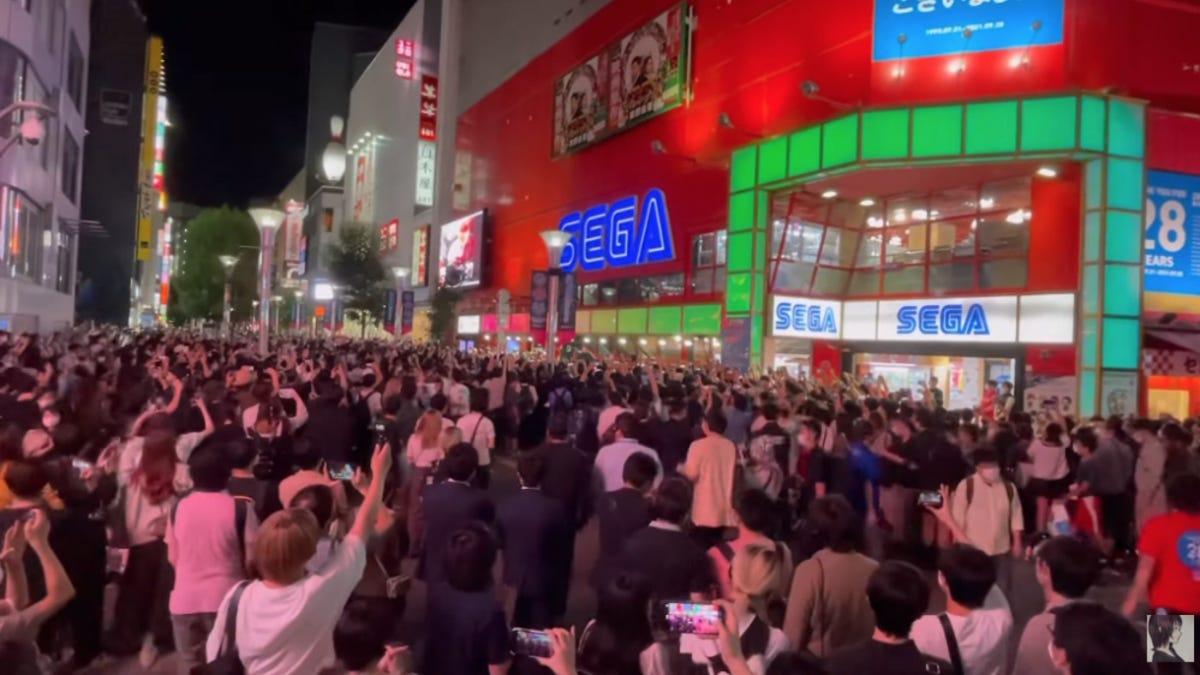 Fans Gather To Say Goodbye To A Legendary Sega Arcade