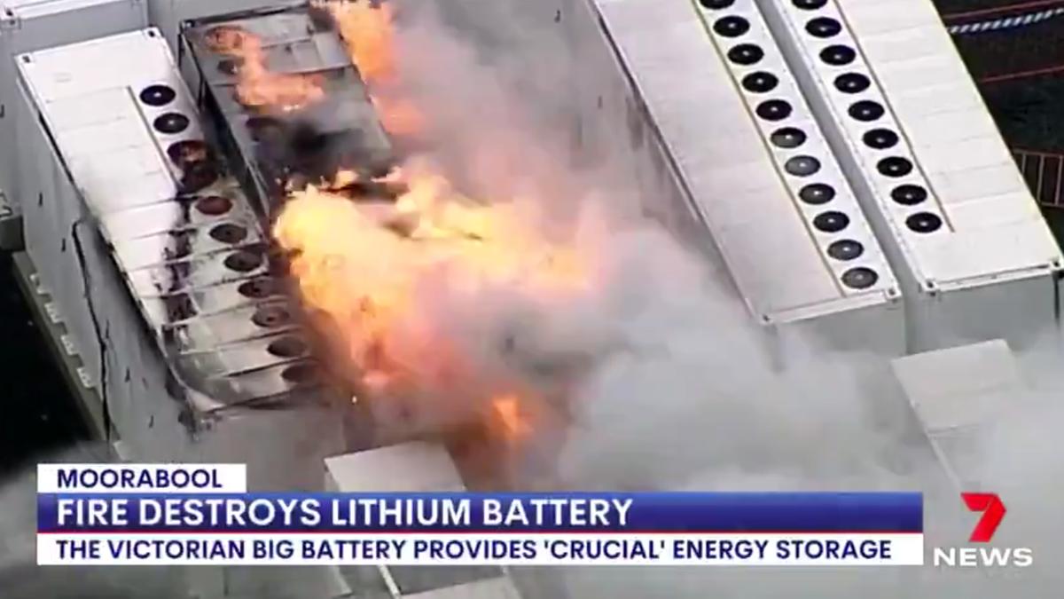 Ein Tesla Megapack geriet auf einer riesigen Batteriestation in Australien in Brand