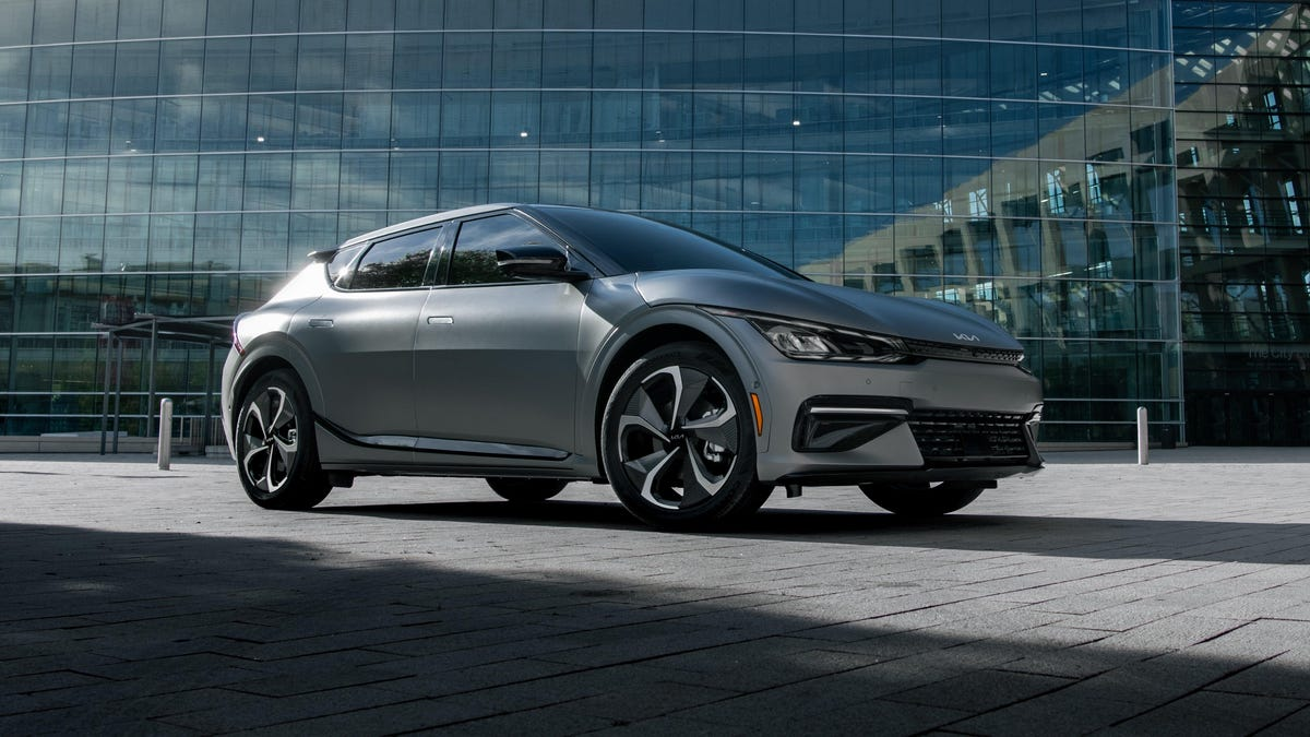 Kia Announces EV6 Will Hit The Market In 2022 During U.S. Debut
