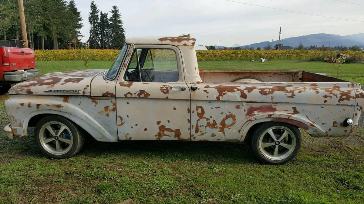"""Bei $ 12.000, ist diese Primered '61 Ford F-100 """"Unibody"""" Be A Prime Deal?"""