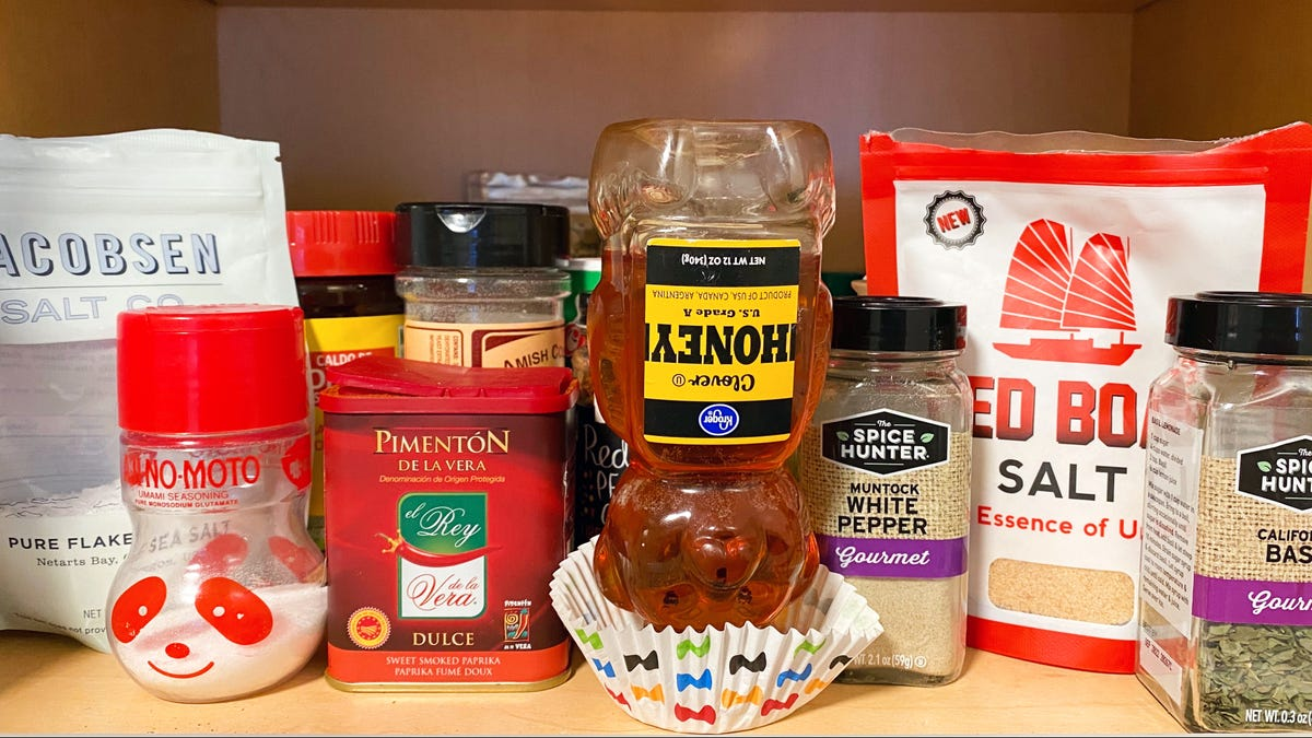 How to Prevent Your Honey (and Other Condiments) From Leaving a Sticky Mess