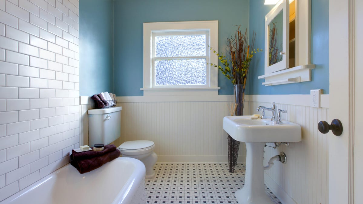 How to Spruce Up Your Bathroom for Less Than $100
