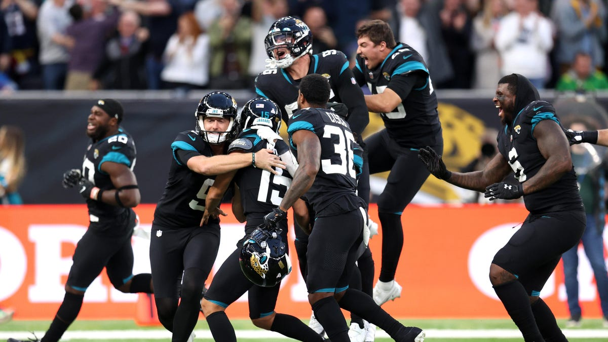 Bungee jumping mascots, bad football, and a practice squad kicker ending a 20-game losing streak: Jags-Dolphins in England had it all