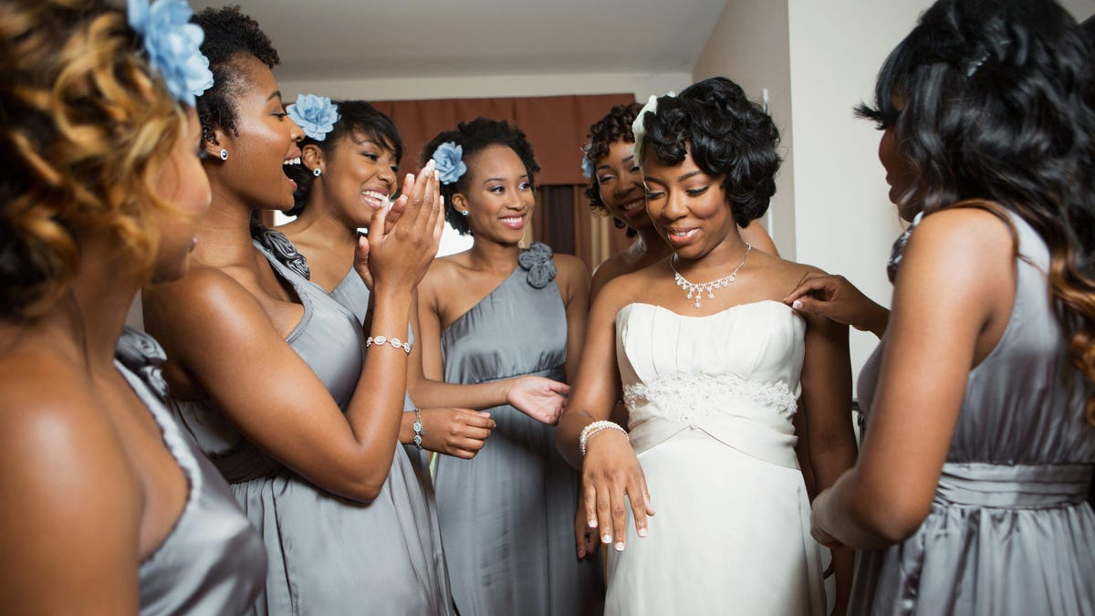 How We Do: What to Gift Your 'I Do' Crew