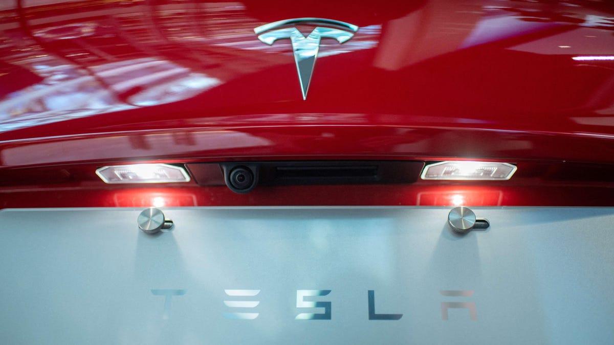 Tesla zahlt angeblich 1 Million Dollar an ehemaligen Mitarbeiter wegen rassistischer Äußerungen