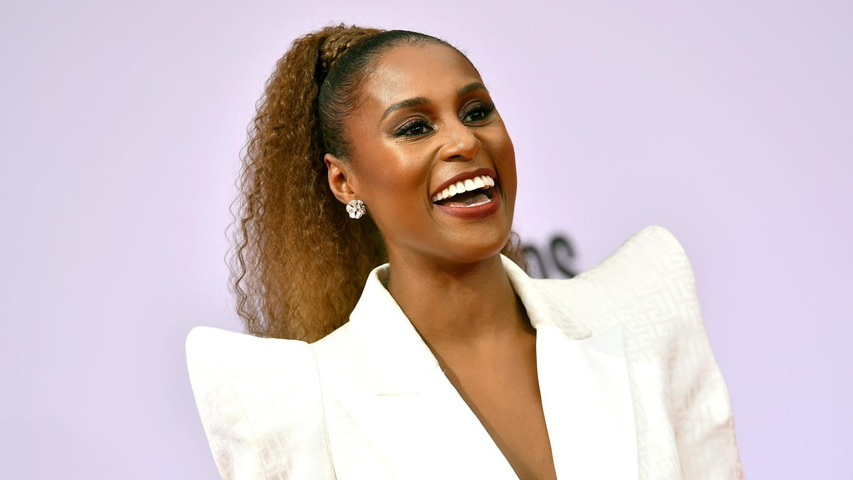 Hella Married: Issa Rae Posts Wedding Pics—in the Most Issa Rae Manner Ever