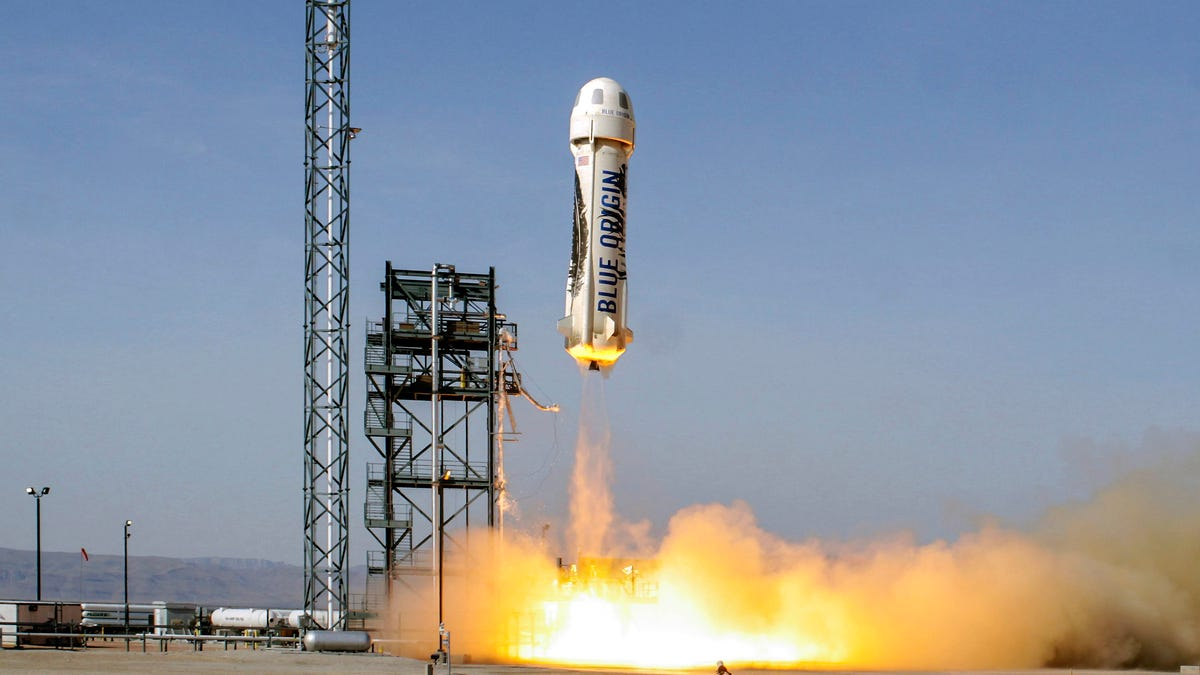 Jeff Bezos volará al espacio en el primer lanzamiento tripulado de Blue Origin