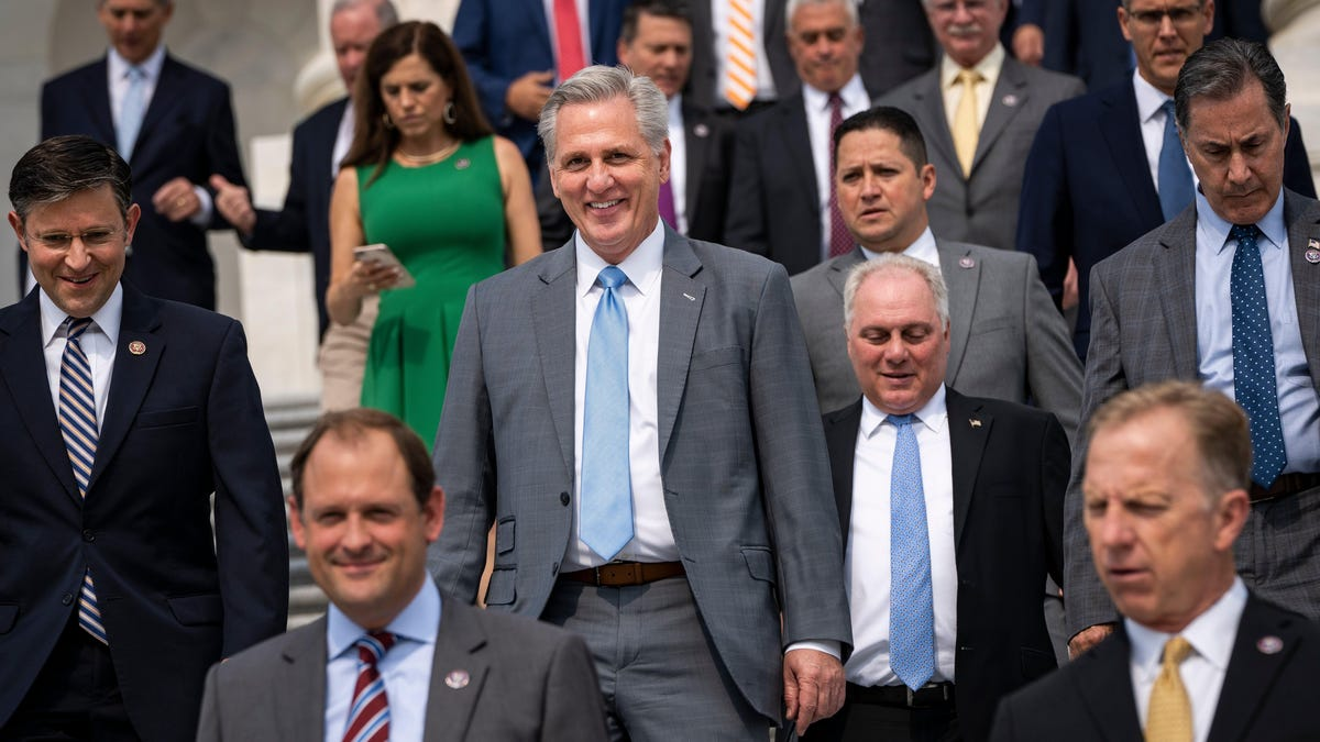 Texas Governor Bans Mask Mandates as Republicans Embrace Death and Disease