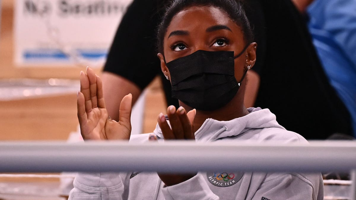 People REALLY need to stop giving bad Simone Biles takes