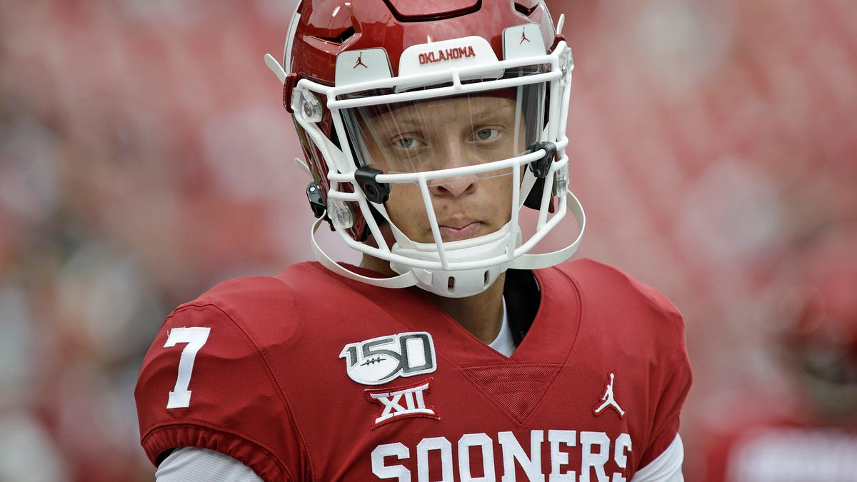 Spencer Rattler Takes Pay Cut To Help Sooners Recruit Better Players