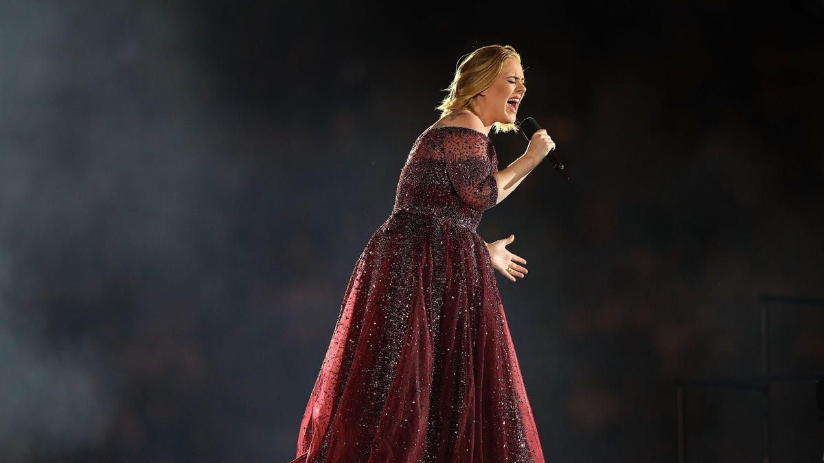 """Adele sells the """"Hello"""" house in video for her first new single in six years"""