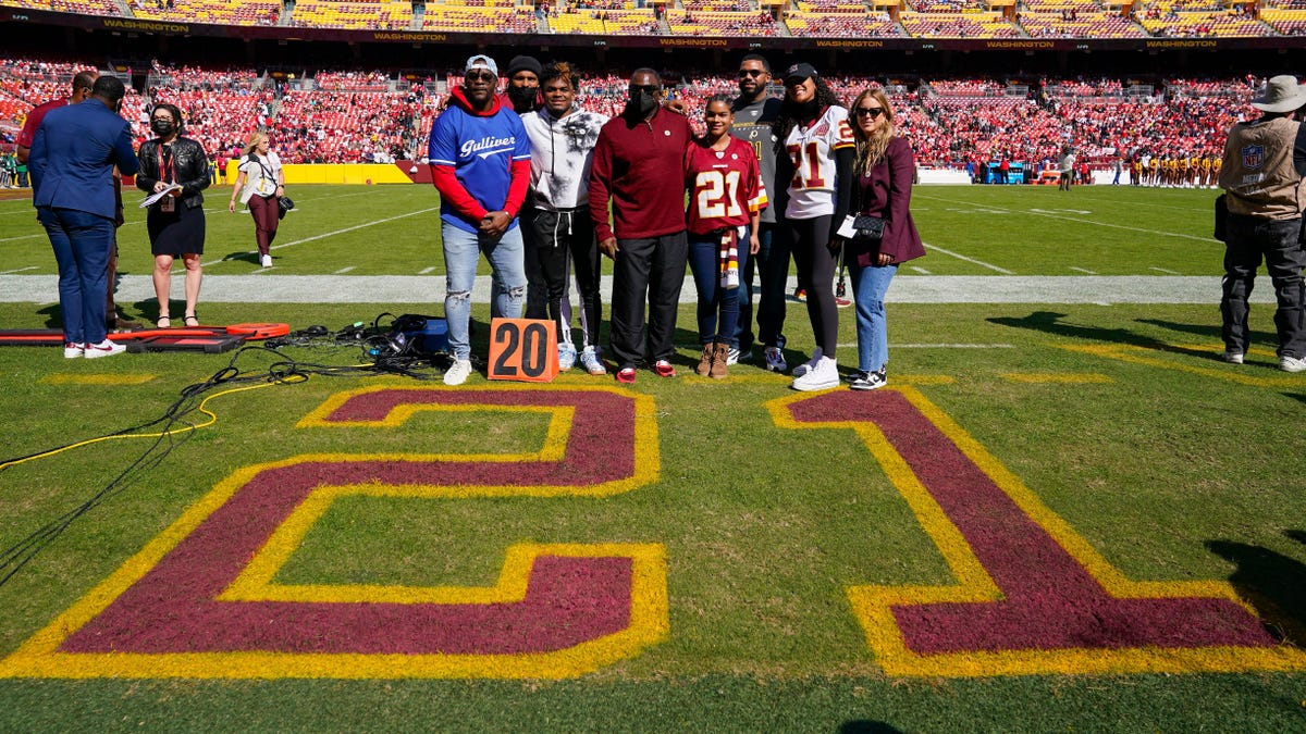 Washington screws up Sean Taylor jersey retirement ceremony, because obviously