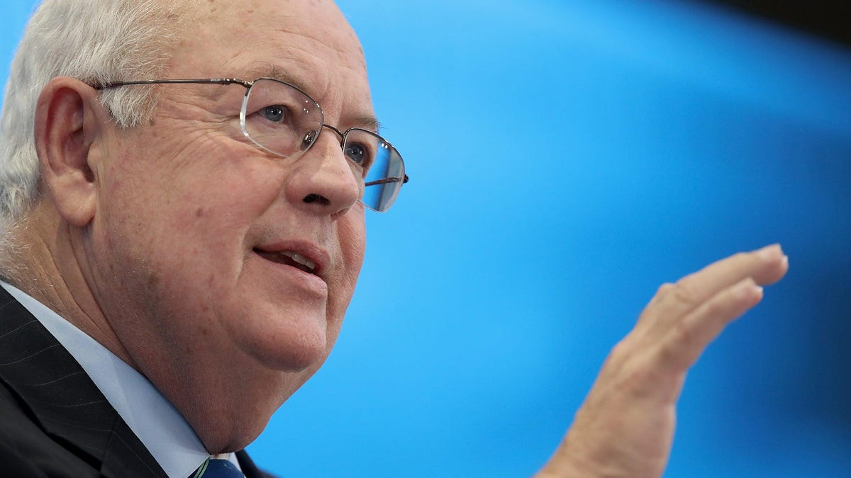 After 20 Years, Former Ken Starr Advisor Reveals Her Boss Was a Pretty Bad Guy