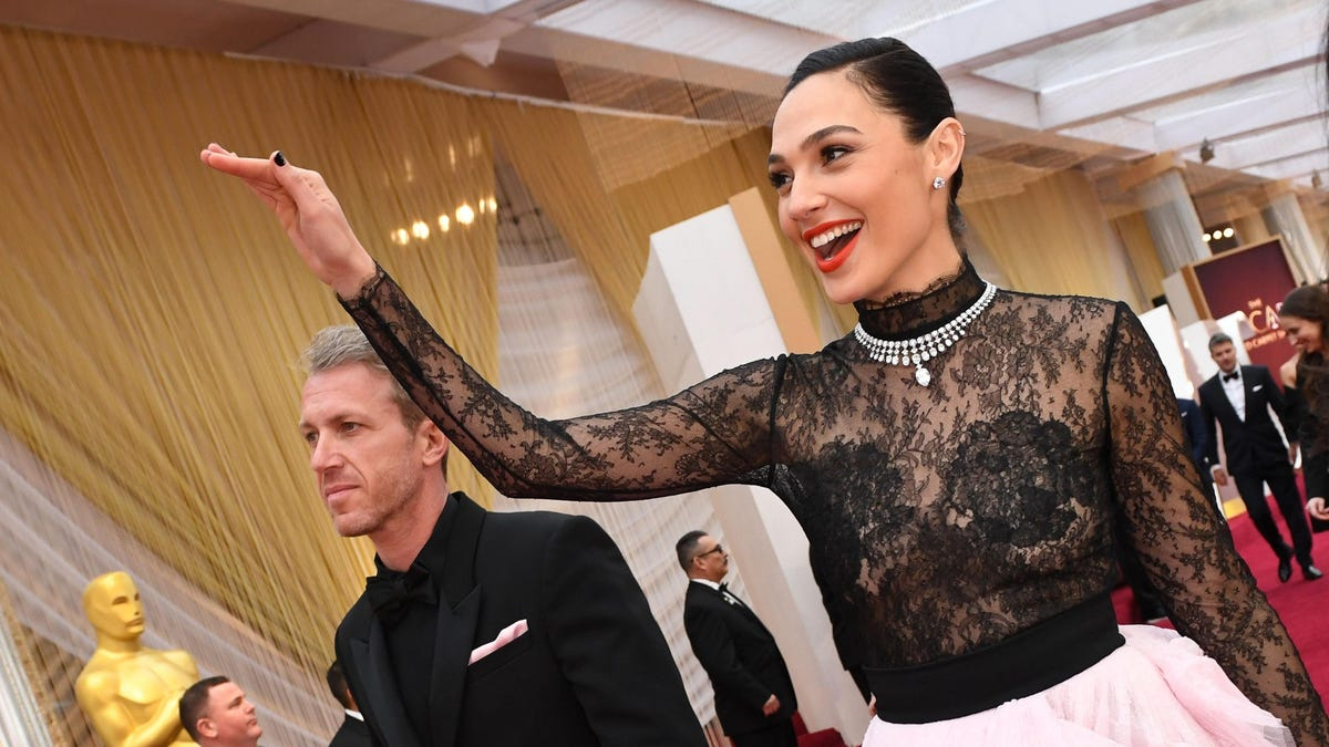 Gal Gadot Still Incapable of Acknowledging the Existence of Palestinians