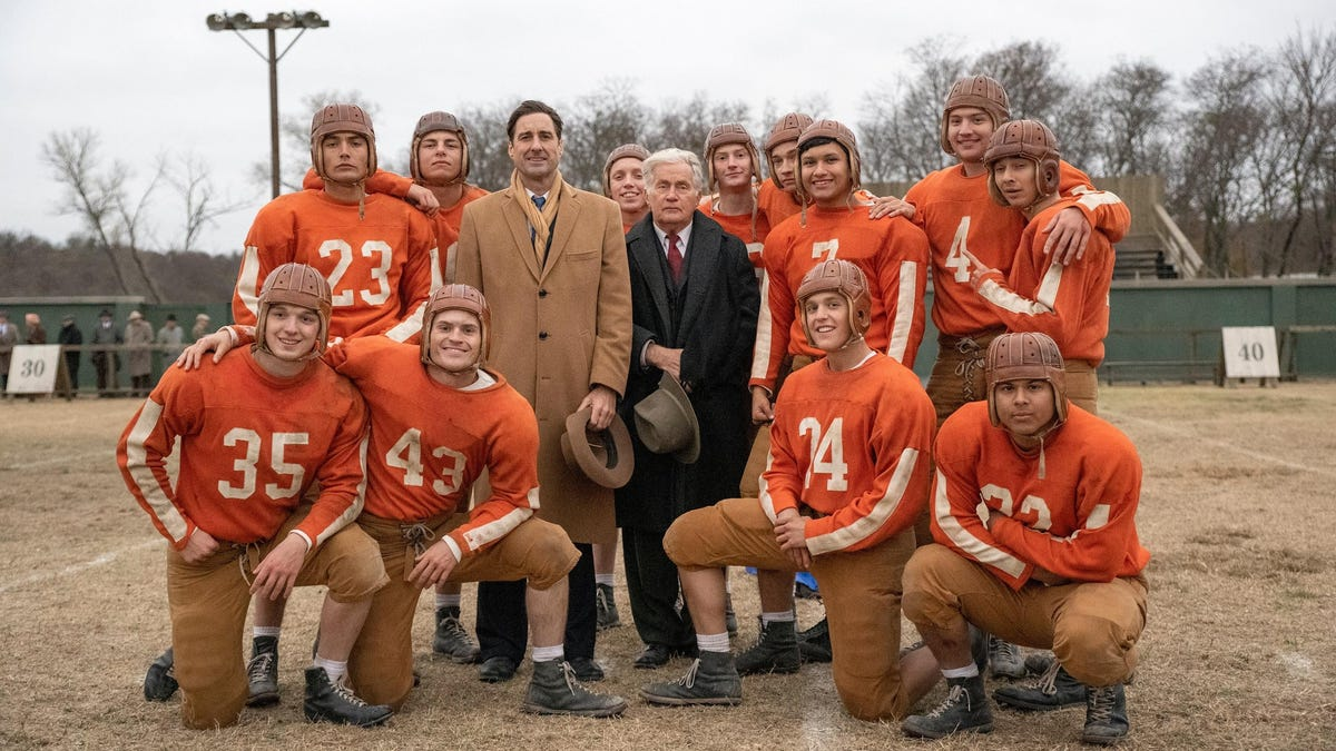 12 Mighty Orphans pulls at a dozen clichés from the sports movie playbook