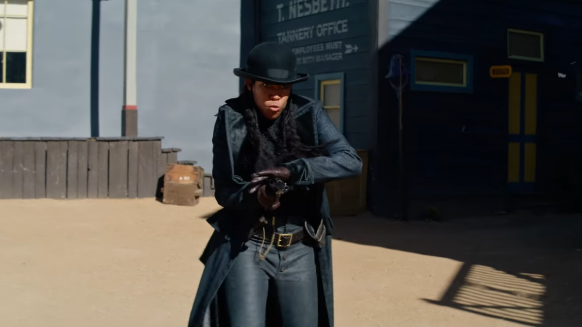 Regina King Gets to Play a Sharpshooting Cowboy in The Harder They Fall, Netflix's New Western