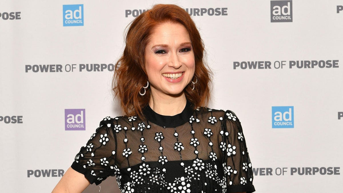 Ellie Kemper Is Sorry About That Whole Racist Debutante Thing