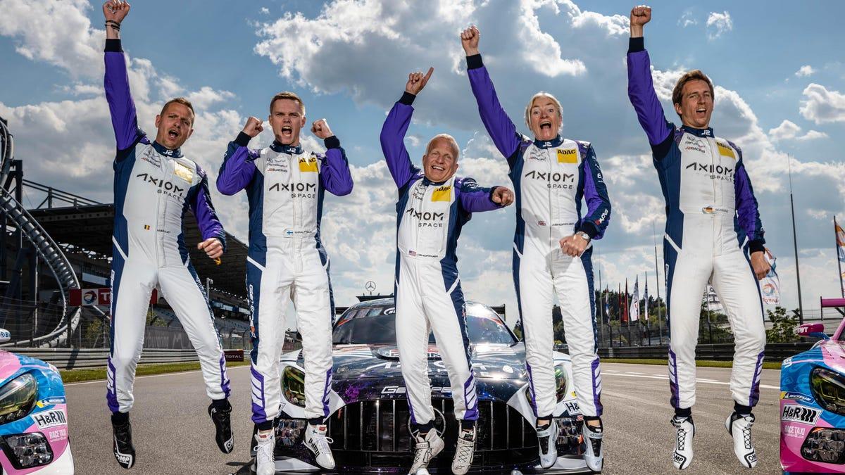 Die 55-jährige Janine Shoffner ist auf dem besten Weg, eine Meisterschaft der Nürburgring Endurance Series zu gewinnen