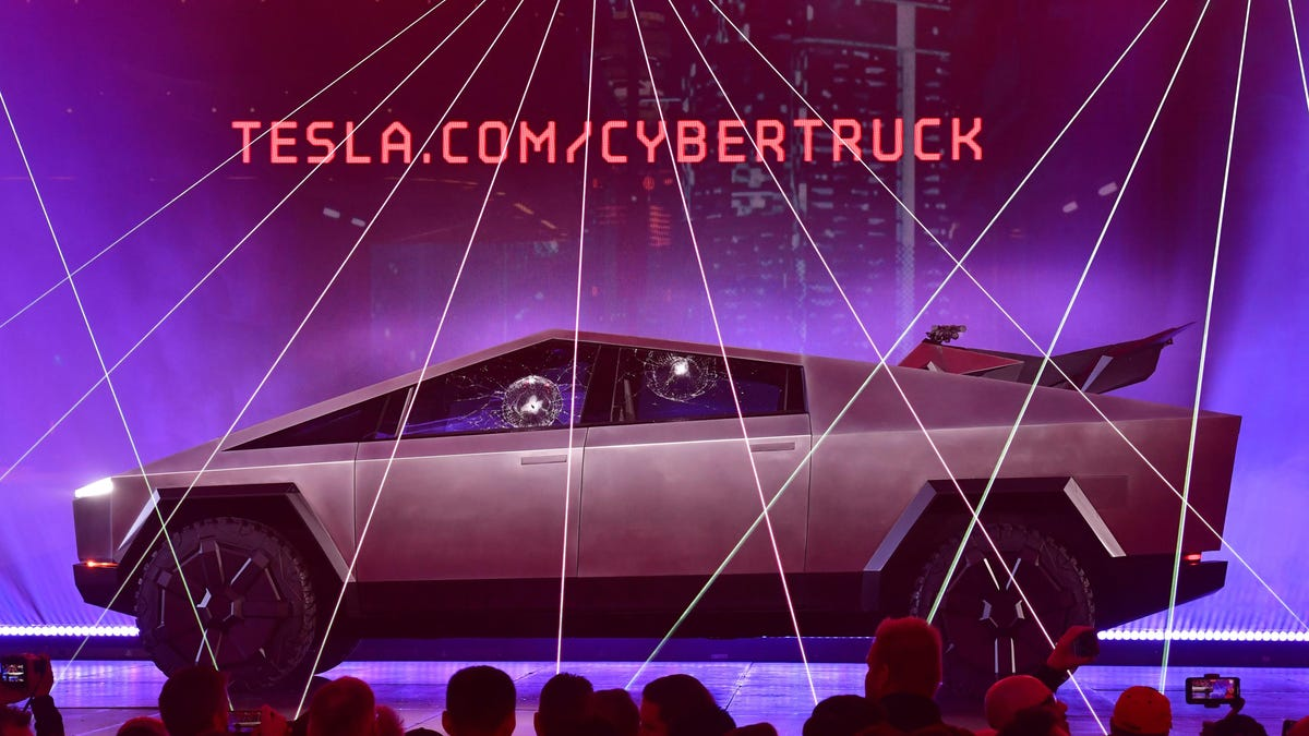 An Unsurprising But Sad Update for Tesla Cybertruck Fans: Production Has Been Pushed to 2022 thumbnail
