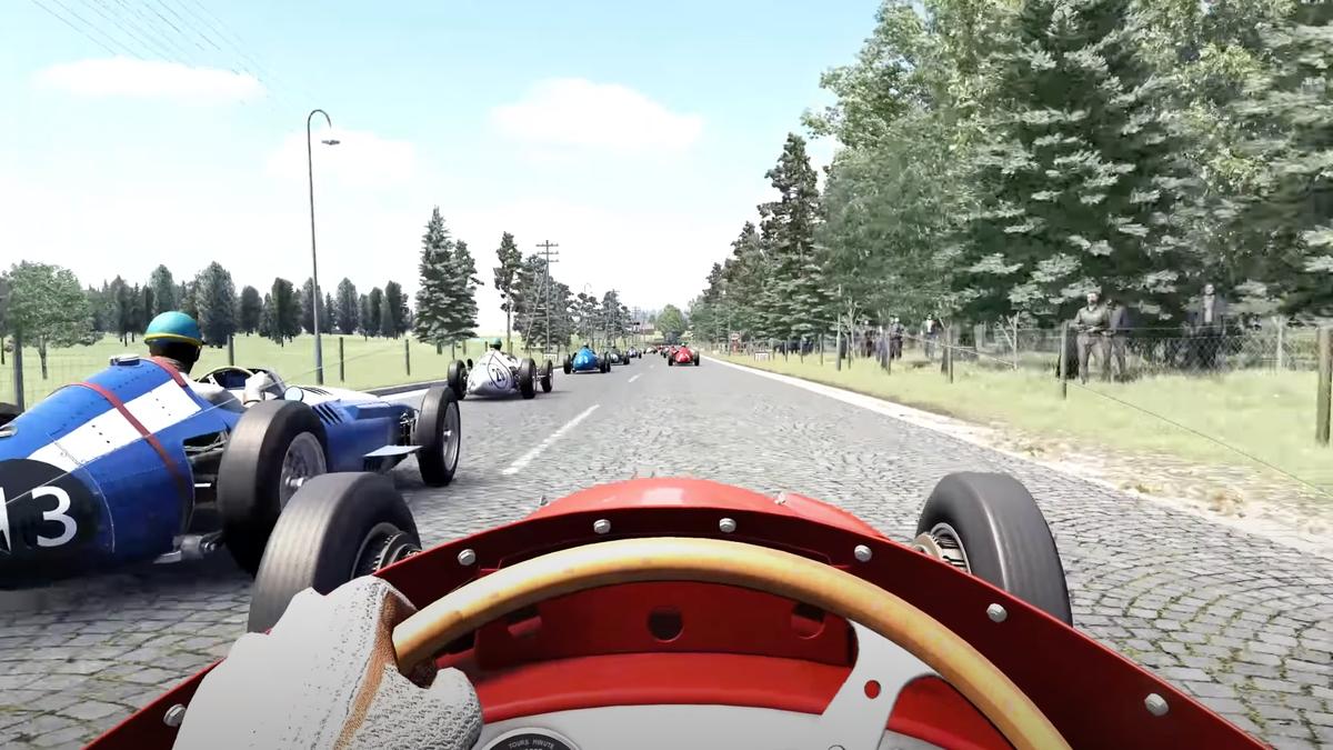 Erleben Sie ein Stück Motorsportgeschichte mit dieser Runde auf der Rennstrecke Bremgarten
