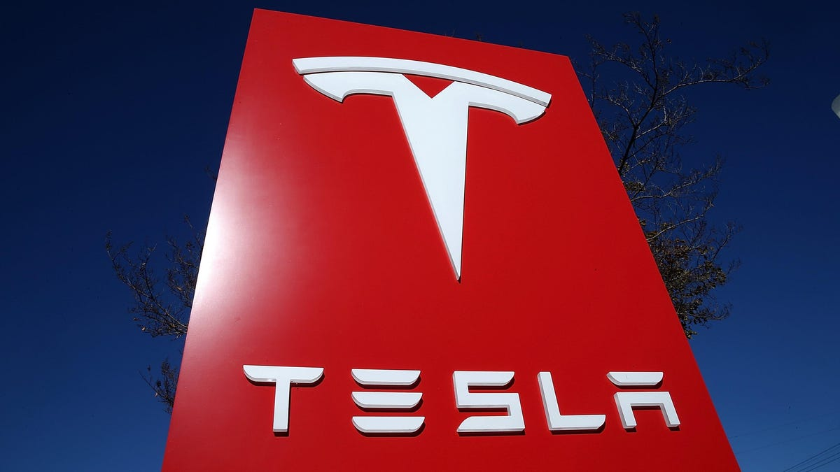 Tesla to Reverse Massive Price Hikes for Some Solar Roof Customers, Court Document Shows thumbnail