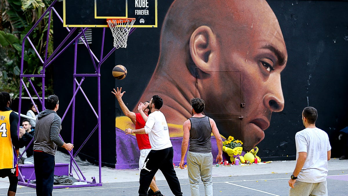 Kobe Bryant Mural Starts Ominously Scowling After Lakers First-Round Collapse