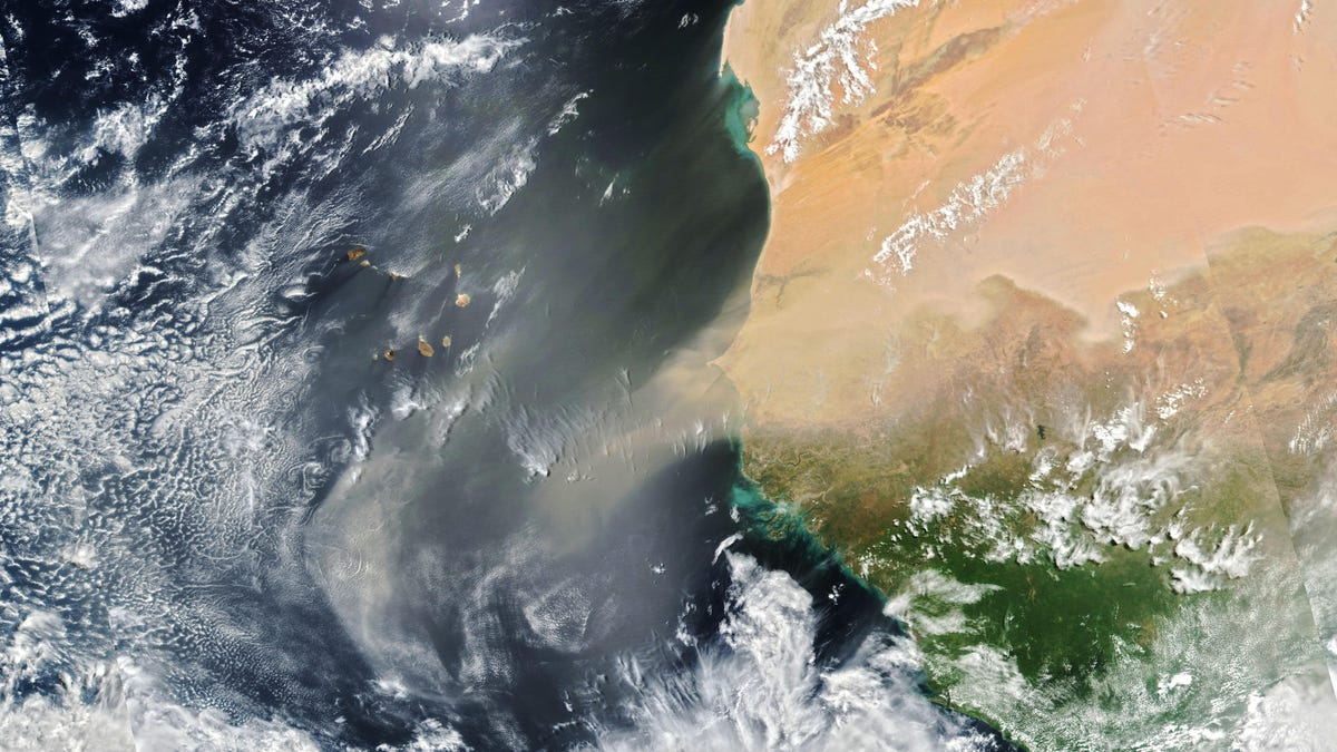 Satellites Capture Images of Huge Dust Storm Heading to the Americas