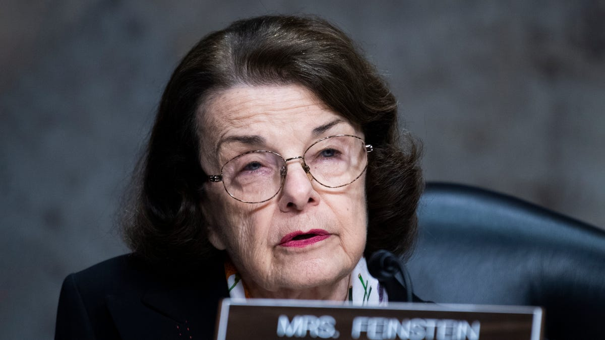 Dianne Feinstein Considers Eliminating Filibuster Over Upcoming Vote On Smoot-Hawley Tariff