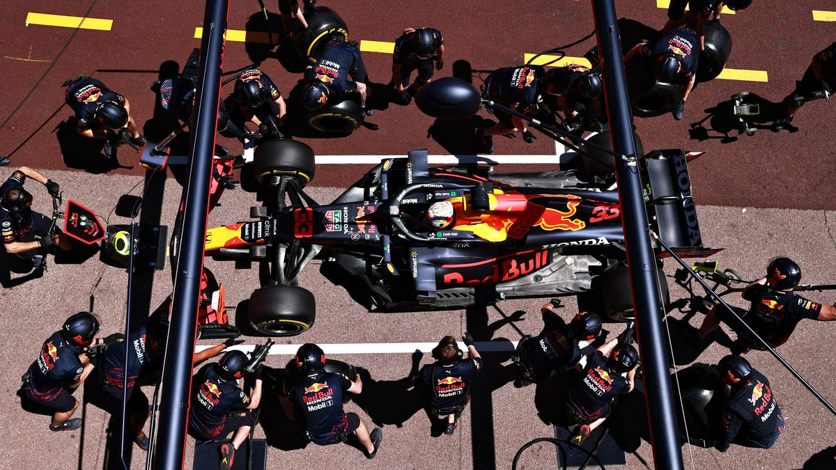 Pit Stops In Formula 1 Will Likely Get A Little Slower Because Teams Are Apparently Mad At Red Bull