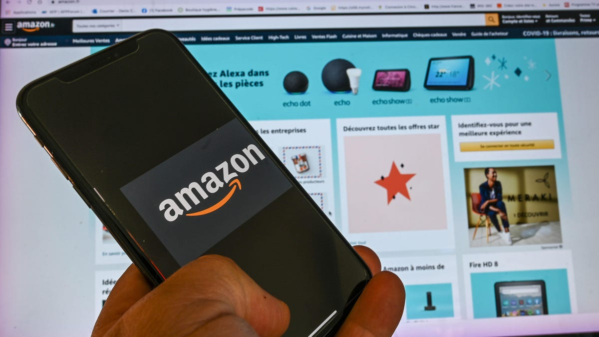 Here's How Amazon Third-Party Sellers Reportedly Hound Customers Who Leave Bad Reviews thumbnail