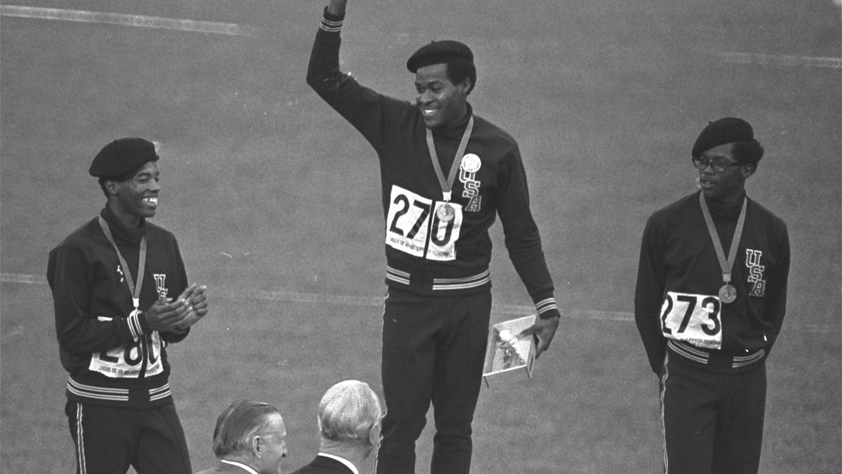 Olympic Gold Medalist Lee Evans Dead at 74