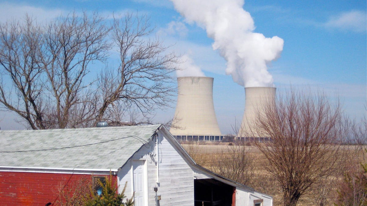 Sweeping Illinois Clean Energy Bill Also Bails Out Nuclear Power