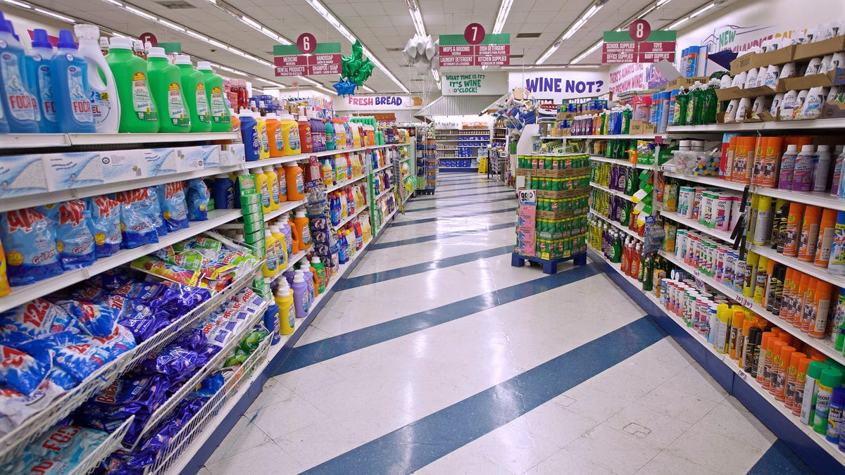 Which Household Items to Buy (and Avoid) at the Dollar Store