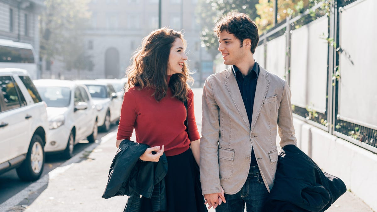 """Try """"Slow Dating"""" If You're Sick of Puddle-Deep Partners"""