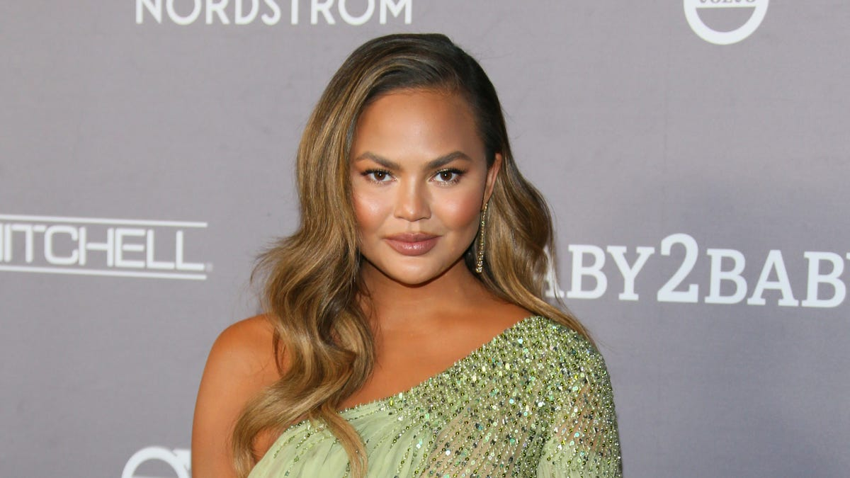 Is Chrissy Teigen's Cookware Line a Casualty of Her Courtney Stodden Tweets?