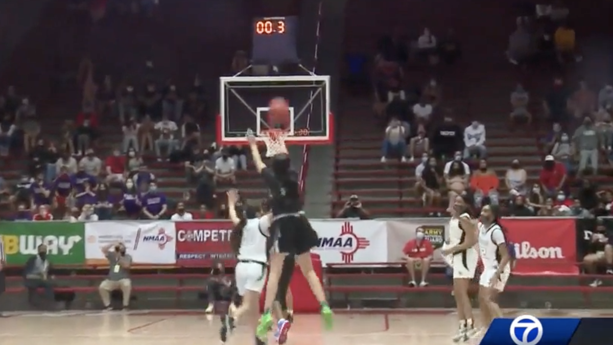SEE IT! New Mexico high school girls basketball championship ends in half-court heave