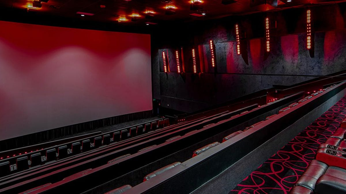 Movie Theater Chains Allowing Vaccinated Patrons to Go Maskless thumbnail