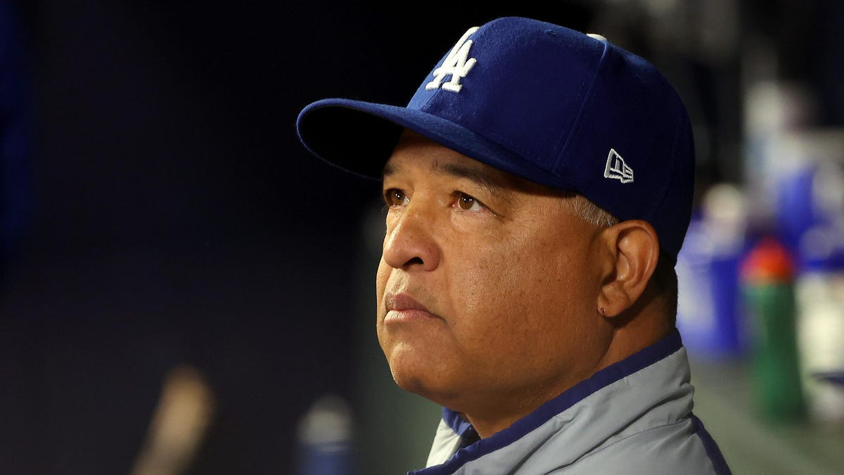 Dave Roberts can't help himself