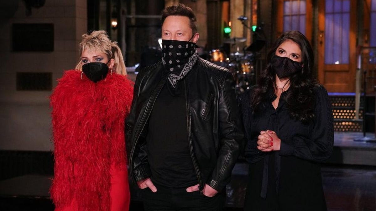 SNL shares a painfully awkward Elon Musk promo video