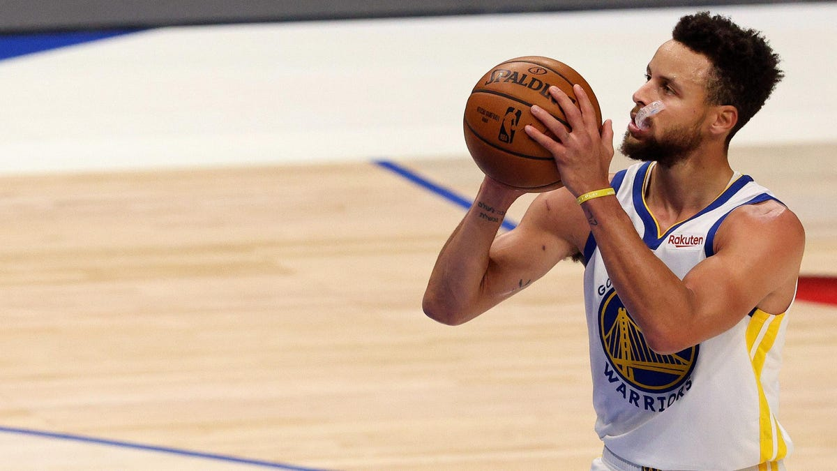 Steph Curry rides historic hot streak into Play-In Tournament, but what does that mean for Golden State?