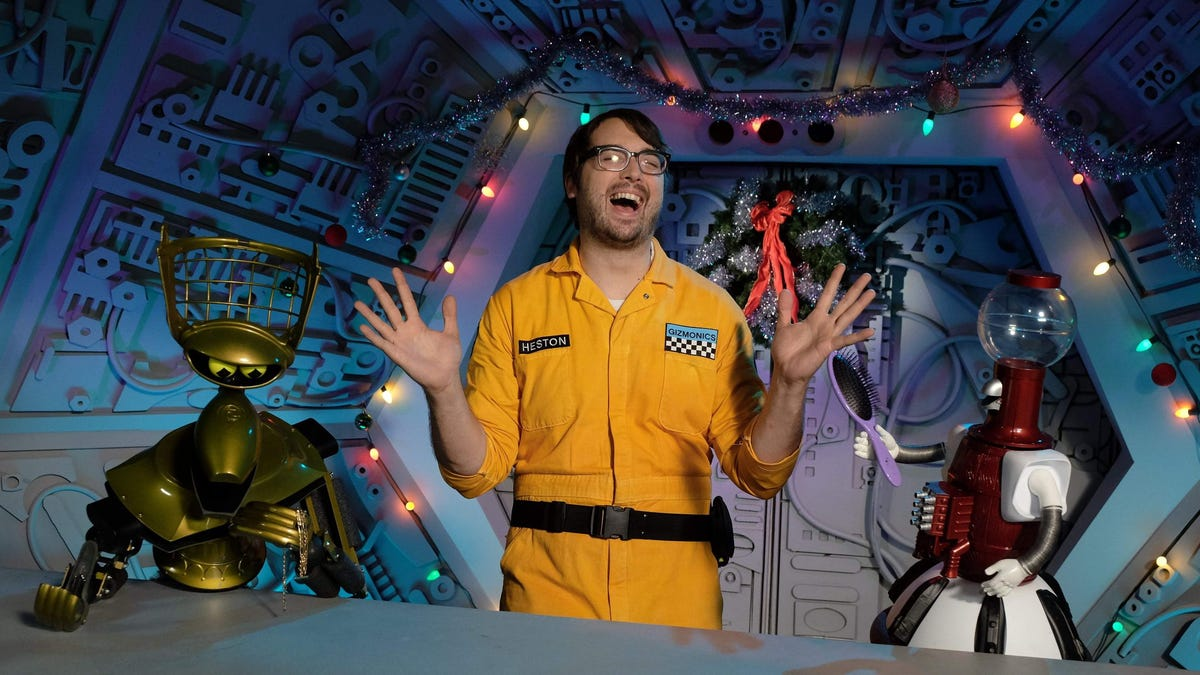 It's Official: Mystery Science Theater 3000 Lives Again