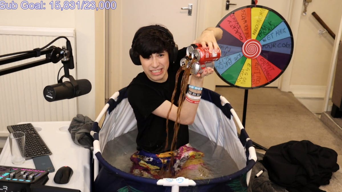 The Most Viewed Twitch Hot Tub Stream Yet Is Also The Most Cursed