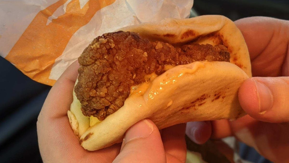 I Hate Myself, But I Love Taco Bell's New Chicken Sandwich Taco
