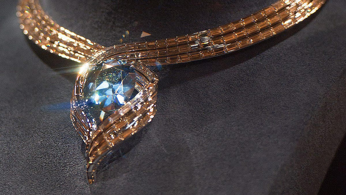 Last Call: Fun Friday facts about the Hope Diamond curse